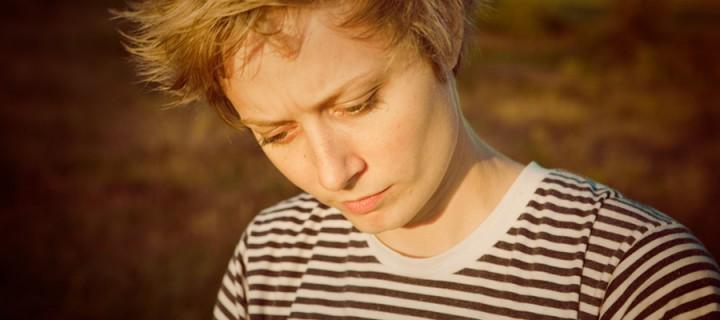 Das neue Album unserer Lieblingskanadierin Mo Kenney nun auch in Deutschland