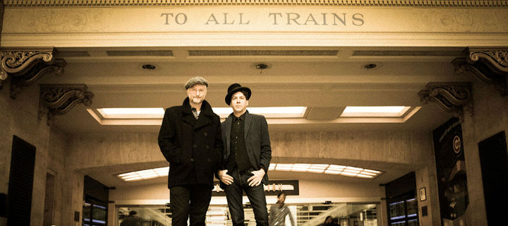 "Billy Bragg & Joe Henry zeigen neues Video zu ""Hobo's Lullaby"""