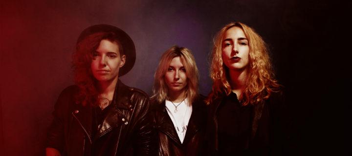 Velvet Two Stripes: Drei Schweizerinnen verpassen dem Rock'n'Roll eine Frischzellenkur!