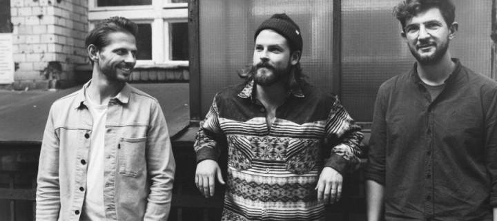Die Berliner Indie-Folker Mighty Oaks haben ihre nie offiziell veröffentlichte Debüt-EP neu aufgenommen!
