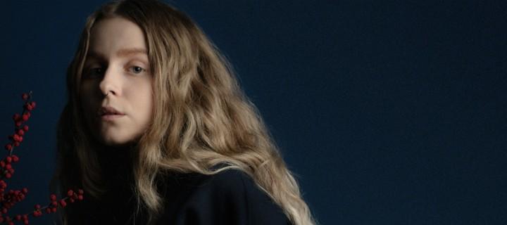 """Aus Norwegens Wäldern in die internationale Popwelt: Moyka stellt sich mit ihrer ersten Single """"Colder"""" vor!"""