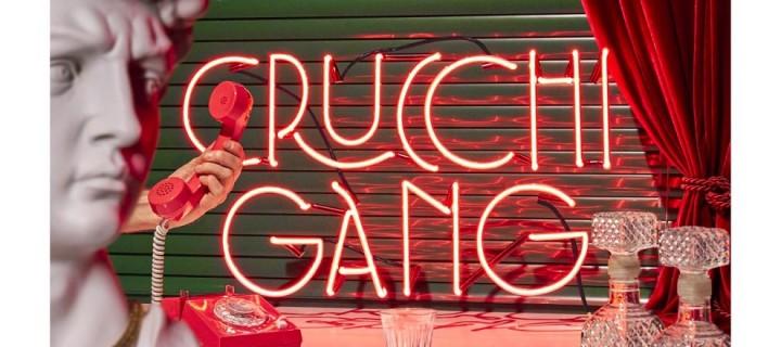 Crucci Gang verwandelt auf heute erscheinender EP deutschsprachige Pop- und Indie-Songs in italienische Evergreens!