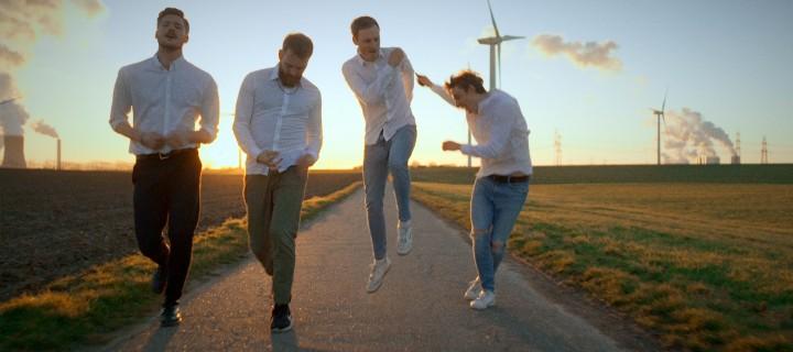 """Schluss mit Auf-der-Stelle-treten und damit, sich zu verbiegen! Soeckers veröffentlichen ihr neues Video zur Single """"Im Leben nicht""""!"""